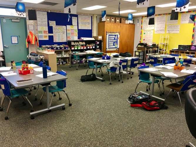 ces95035_Classroom Standard_3