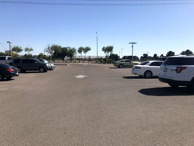 chla85225_outdoor_parkingLot_1.1