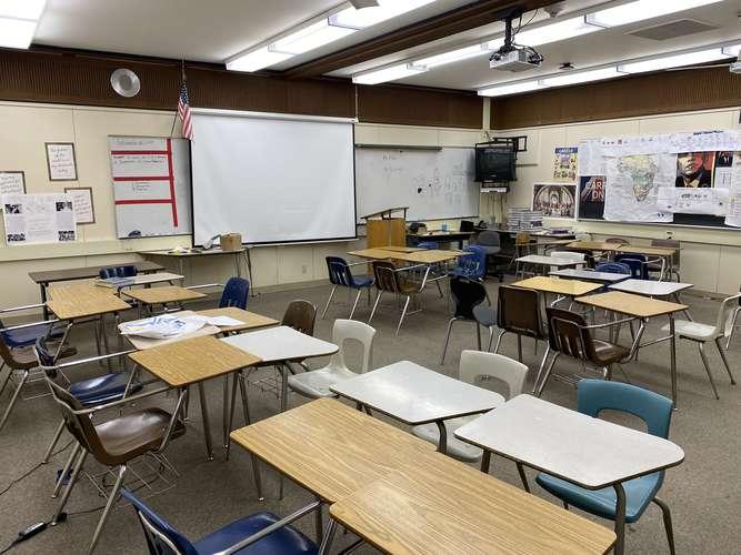 hmghs94306_Classroom Standard_2