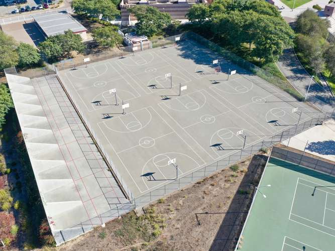 syhs92154_Outdoor Basketball Courts_1