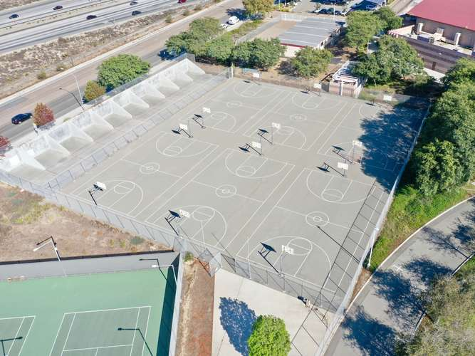 syhs92154_Outdoor Basketball Courts_2