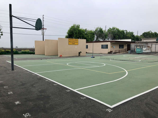 fhs93010_Basketball Courts_1
