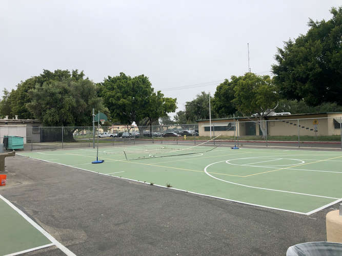 fhs93010_Basketball Courts_2