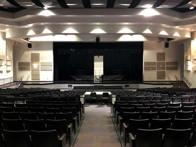 lmhs32746_theater_auditorium_1.1