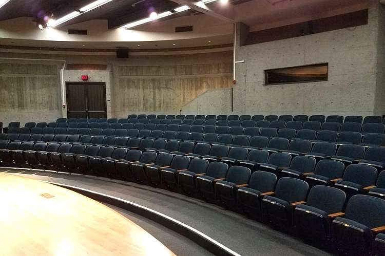 ghs95136_theater_theater1.2