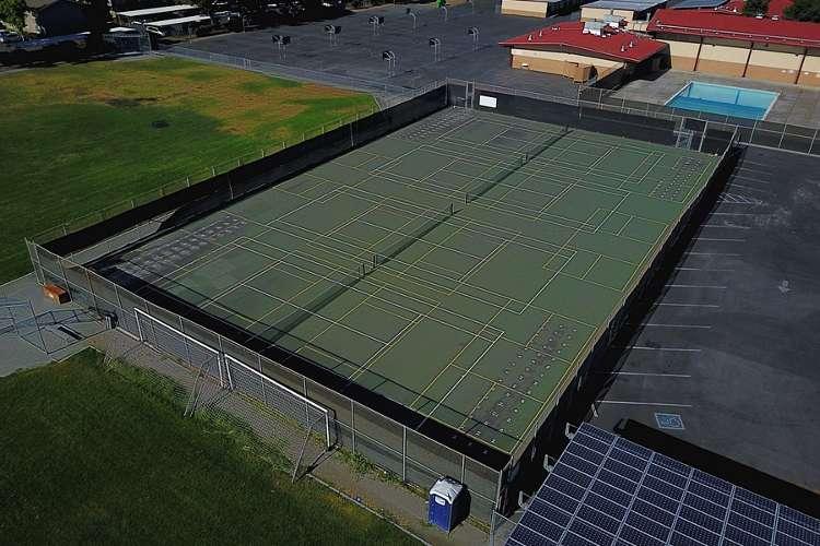 jmms95118_outdoor_tenniscourts1.2