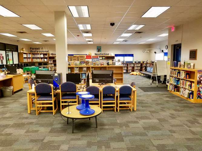 les73071_Library_1
