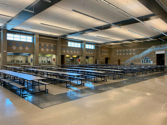 lrhs76063_Cafeteria_2
