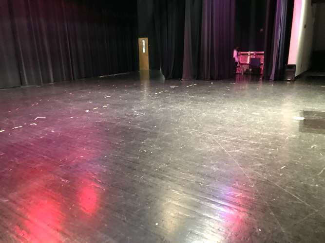chhs30135_theater_theater_1.3