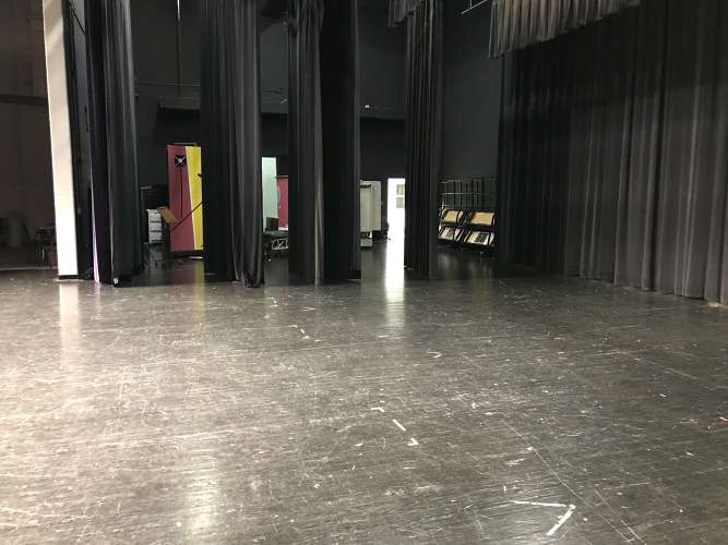 chhs30135_theater_theater_1.4