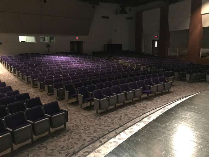 chhs30135_theater_theater_1.5