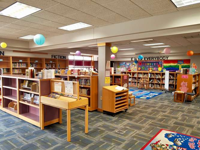 ces73069_Library_3