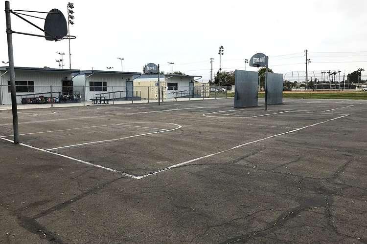 des92655_outdoor_basketballcourt_1.1