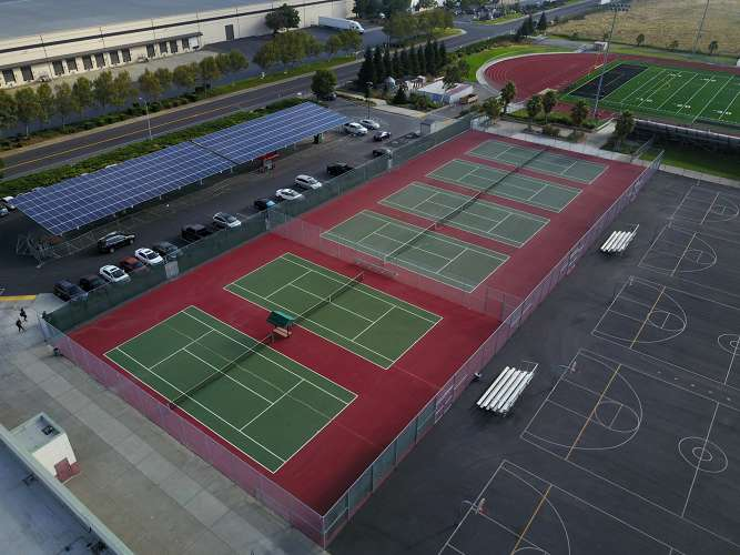 rhs94534_outdoor_tennisCourts_1.1