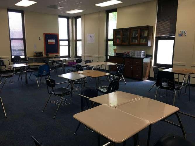 rnhs29223_Classroom Standard_2