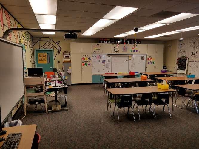 ccs93021_Classroom Standard_3
