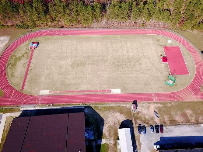 ahs30135_field_track_1.1
