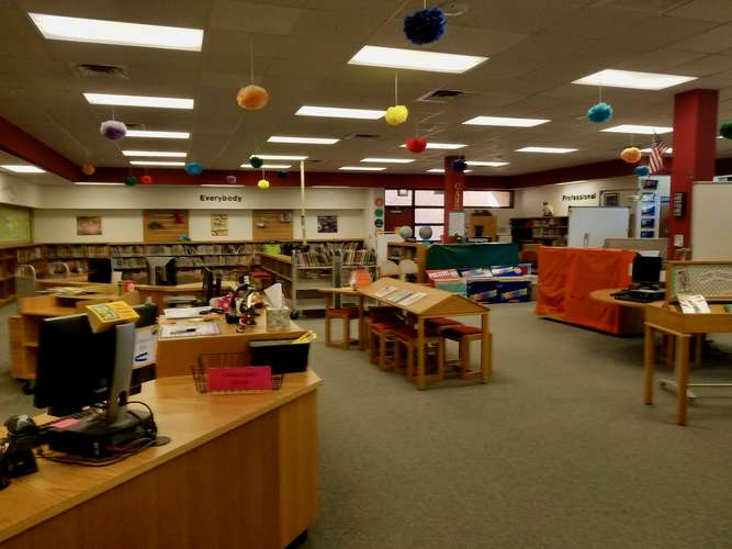 jes73069_Library_2
