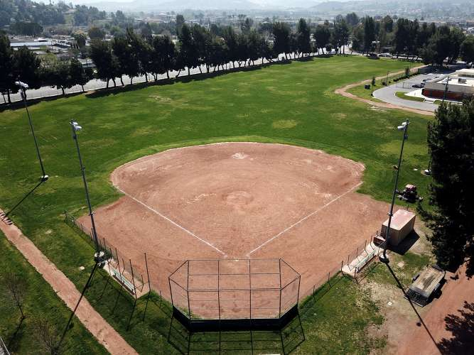 svjhs91351_field_softball_1.3