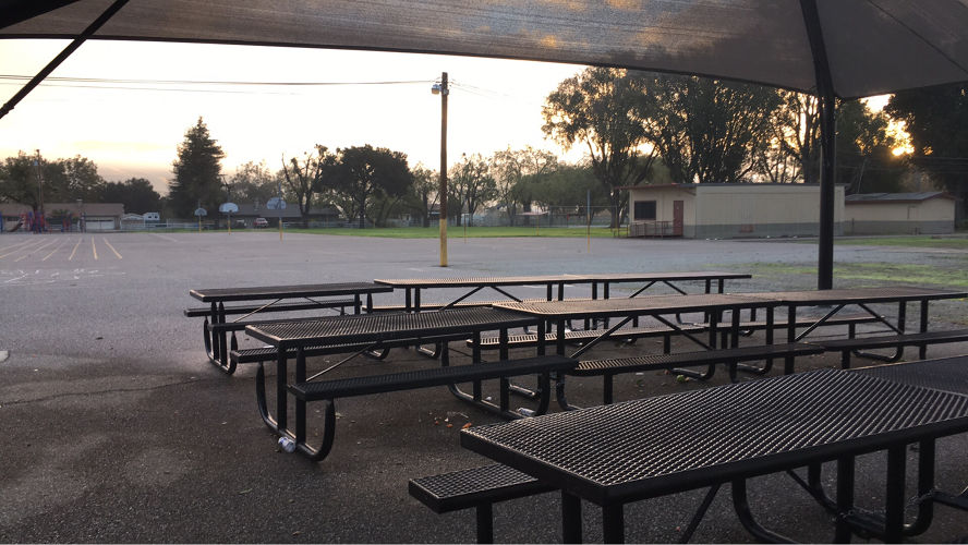 smges95046_picnic_area_2