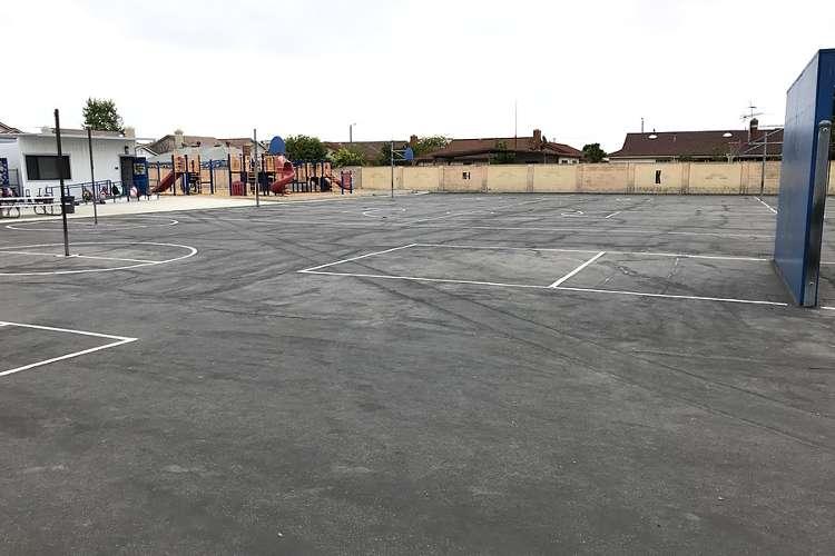 jhes92655_outdoor_basketballcourt1_1.1