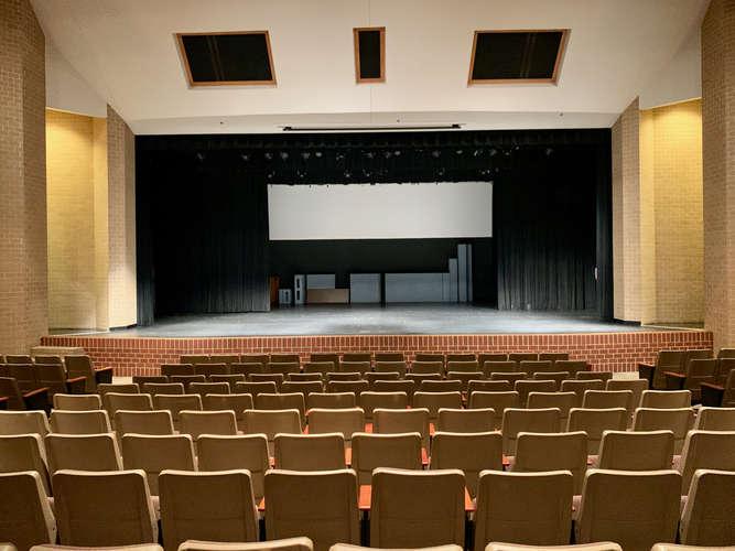 shs76001_Performing Arts Center_1