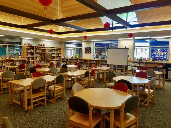 ams73069_Library_2