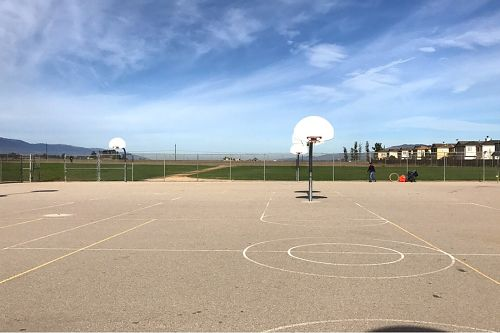 Cces93927_bball_courts