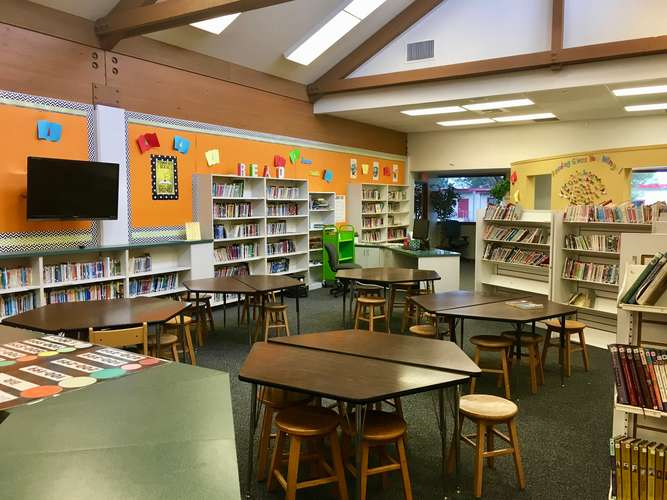 ses95035_Library_1
