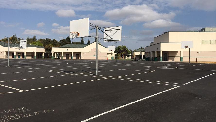 aces95677_OutdoorBasketballCourt