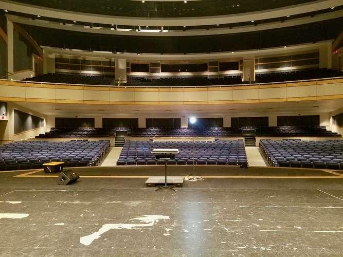 nopac73069_Main Theater_4