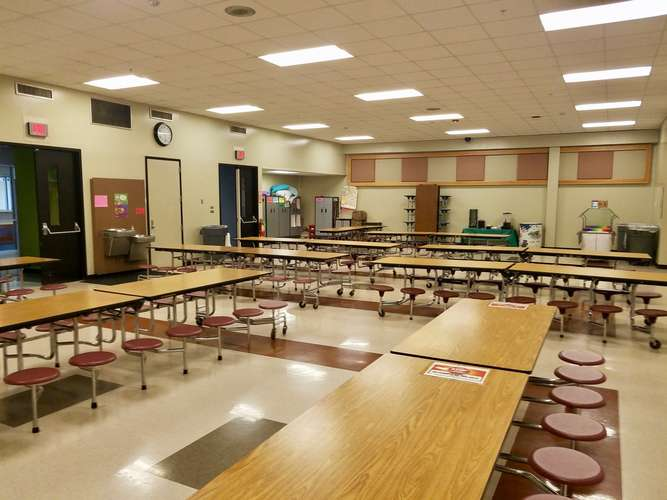 ees73071_Cafeteria_2