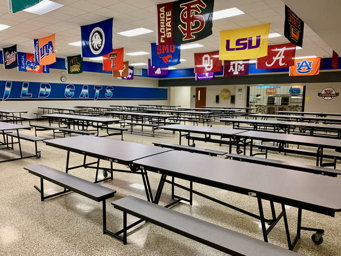 bwms76063_Cafeteria_1