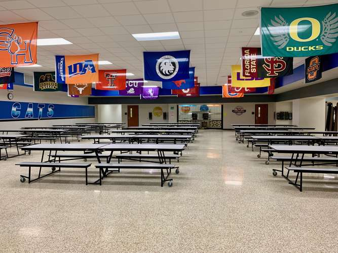 bwms76063_Cafeteria_2
