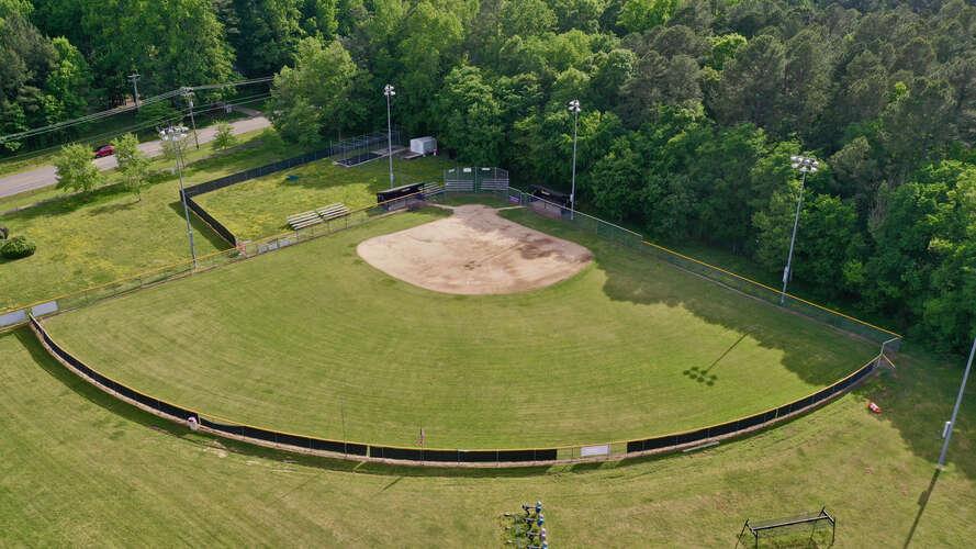 rhs27712_Field - Softball_2