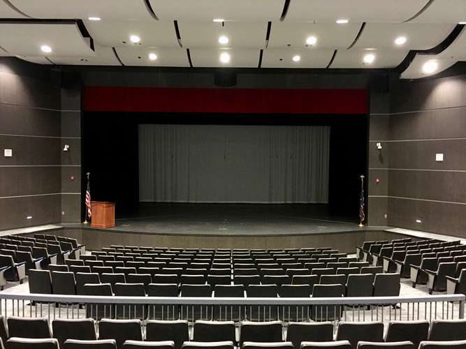 whs29016_Theater_1