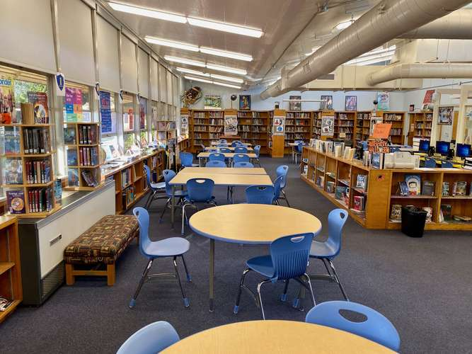 mva92154_Library_1