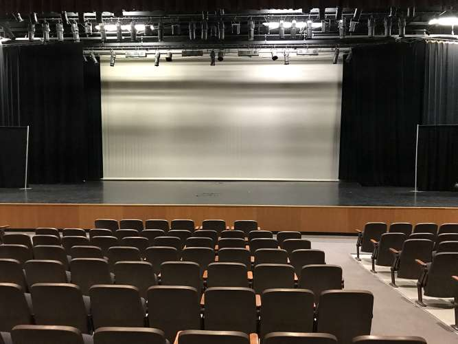 bhs85249_theater_1.2