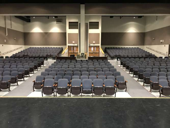 bhs85249_theater_1.6
