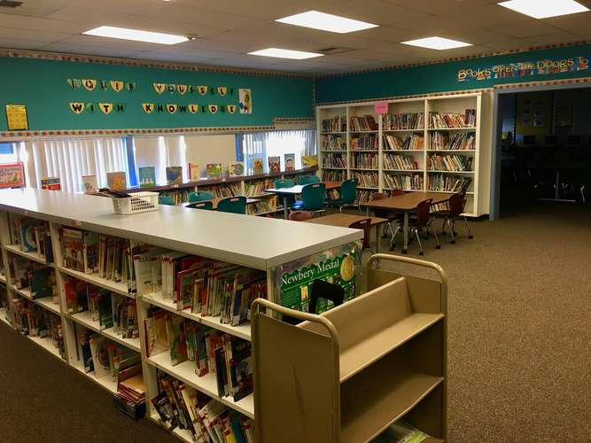 spes95035_Library_1