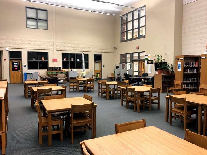 bshs40505_Library_2