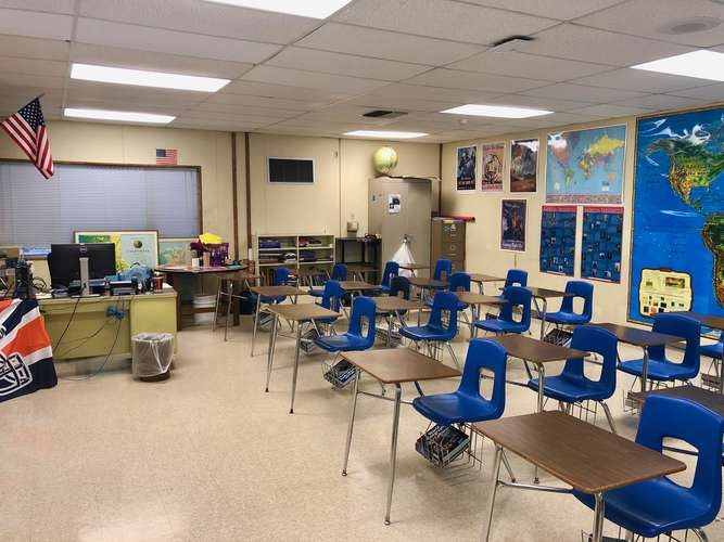 fhs93010_Classroom Standard_2