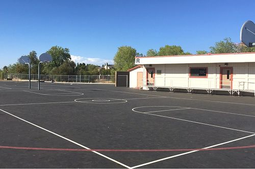 rces95765_outdoor bb courts