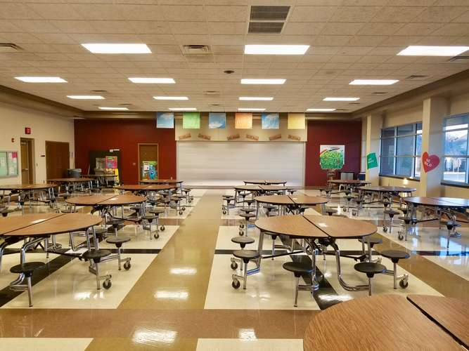 tps73072_Cafeteria_1