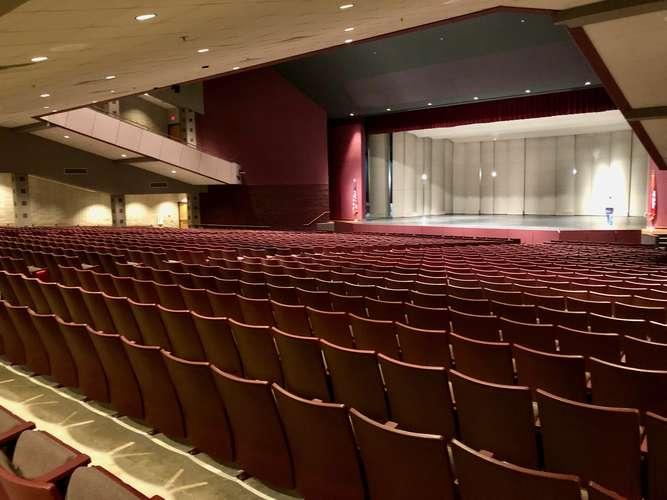 shs72764_Auditorium_4