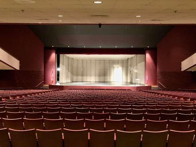 shs72764_Auditorium_5