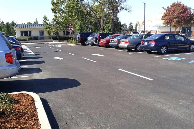 lces94533_outdoor_parkinglot1.1