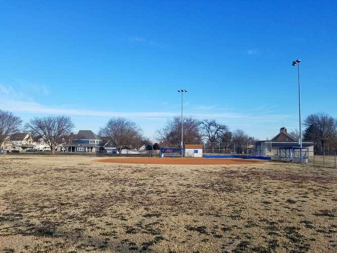 wms73069_Field - Softball 1_1