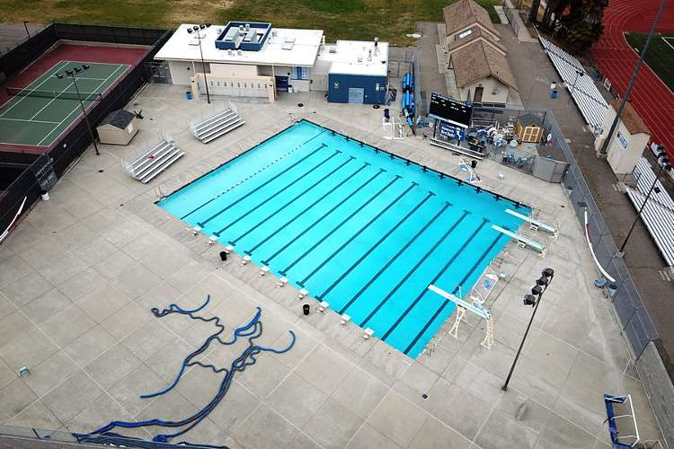 fhs94588_outdoor_pool_1.2