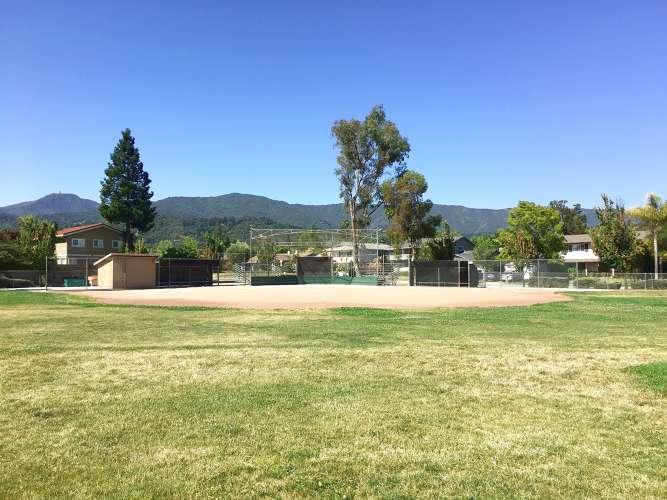 se95120_field_softball_1.1